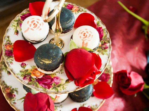 The Pastry of Dreams with roses