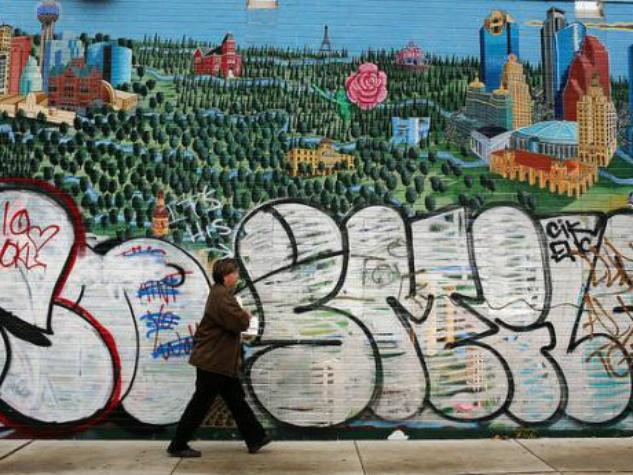Tejas mural vandalized