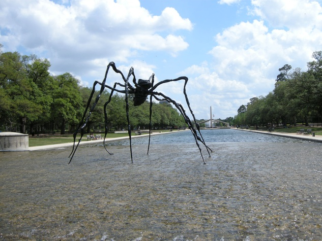 3 spider sculpture Hermann Park April 2014