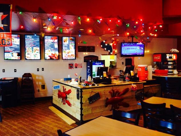 1 La Crawfish at Greenway Plaza January 2014 interior
