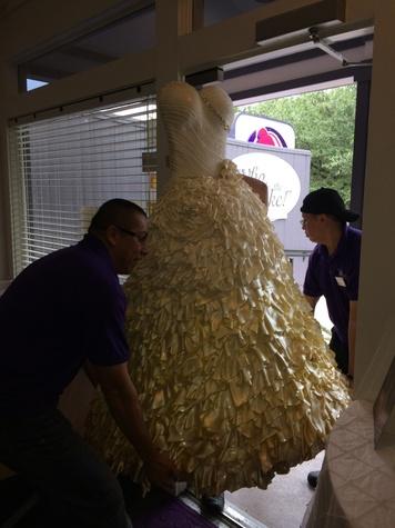 News, Shelby, Who Made the Cake, wedding dress, July 2014