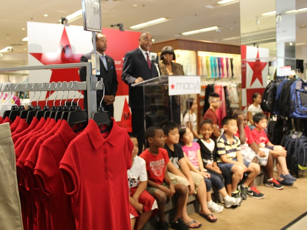 Sales Tax Holiday_back to school_Downtown Macy's_Rodney Ellis