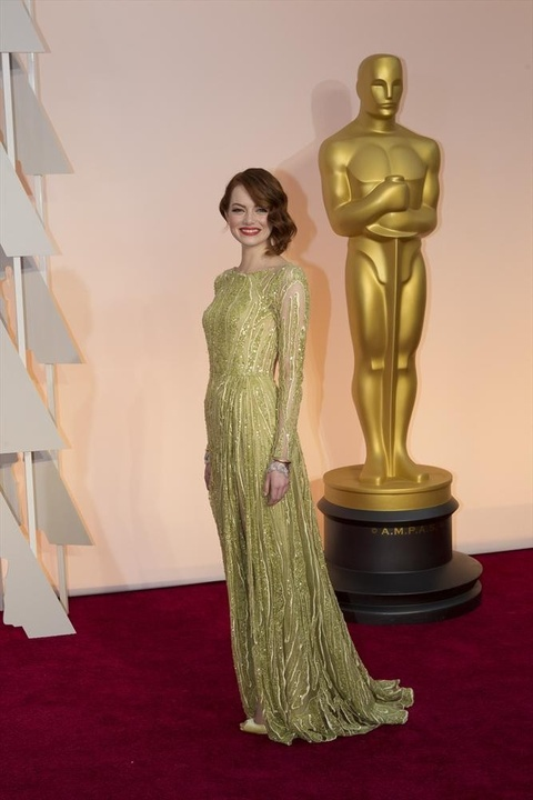 Emma Stone on red carpet at Oscars