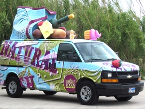 News_Whole Foods_art car