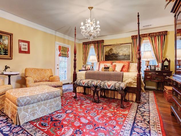 On The Market 1547 Kirby November 2014 master bedroom