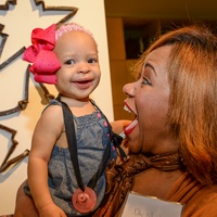 30 Day Mullings  with Savana Mullings at the HeartGift photo exhibition May 2014