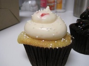 Austin Photo: Places_Food_sugar_mamas_bakeshop_cupcake