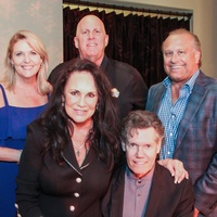 Best Cellars Wine Dinner/Mary and Randy Travis second row Tinti Moffat, Al Weir