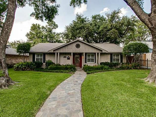 House on Kinkaid Drive in Dallas