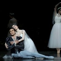 Yuriko Kajiya and Connor Walsh in Houston Ballet Giselle