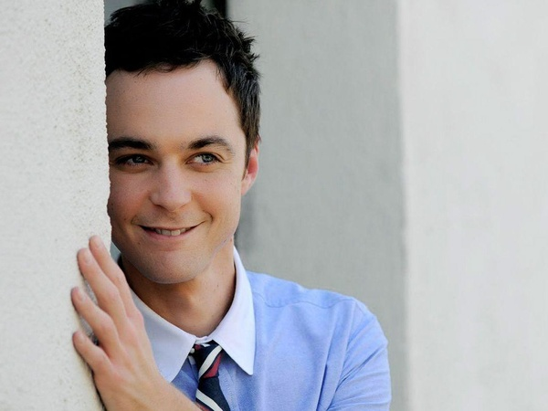 News_Jim Parsons_blue shirt_wall