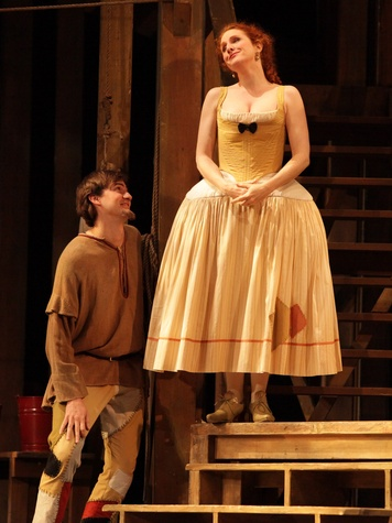 News_HGO 2011_Ariadne auf Naxos_Harlequin Boris Dyakov_Laura Claycomb as Zerbinetta