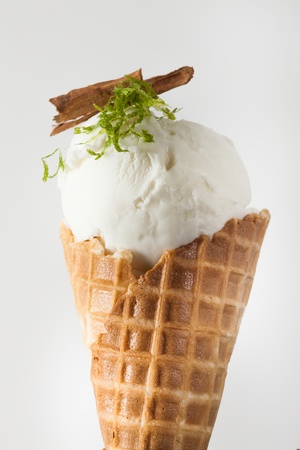 Cloud 10 Creamery_ice cream_lime and ceylon cinnamon_Chris Leung