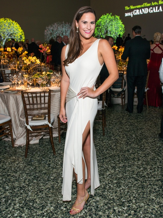 42 Adriana Banks wearing Vera Wang at the MFAH Grand Gala October 2014 GOWNS