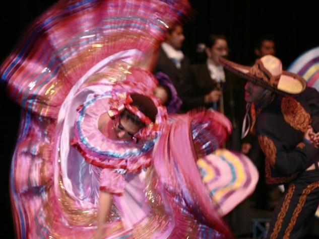 Leyenda Dance Company Mexican dancers