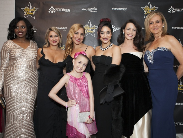 Ayaan Ahmed, Daya Fernandez, Vanessa Hudgens, Kristin Davis, Jane McGarry, Julia Brown at Hollywood Domino Dallas 2014
