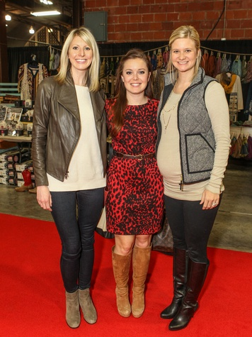 Michelle Hofer, Emily Thorson and Holly Aldredge, Chi O Christmas Market