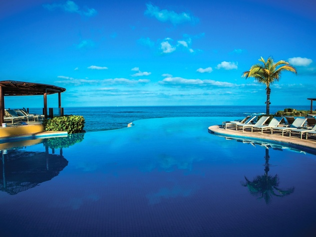 Four Seasons Resort Punta Mita infinity pool