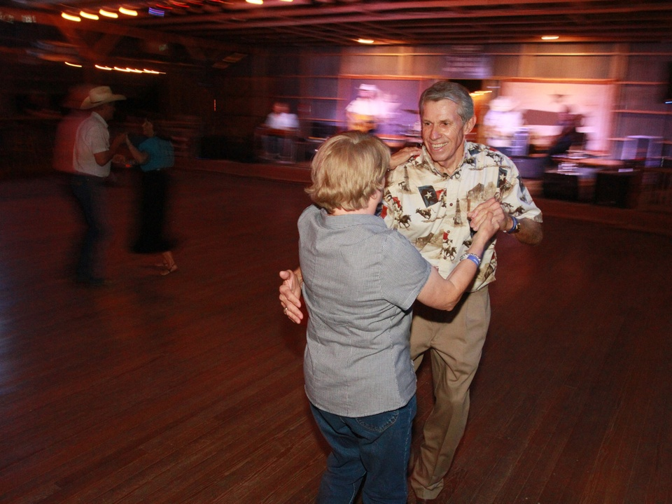 Austin Photo Set: News_Karen Brooks_Dancehalls_two stepping_July 2011_couple2