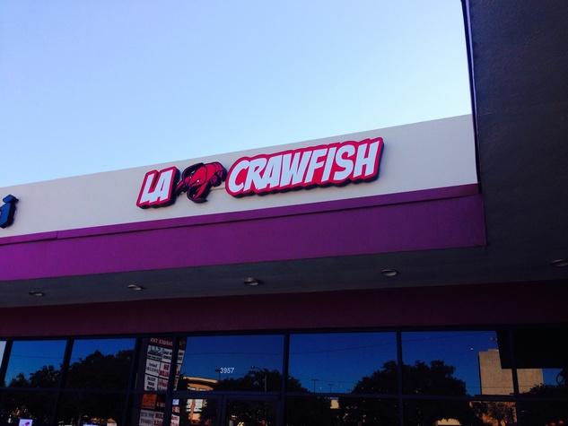 7 La Crawfish at Greenway Plaza January 2014 outdoor sign
