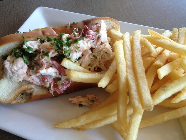 Sea Breeze Lobster Roll