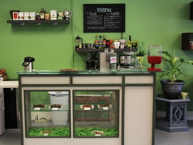 Green Bone, barkery, bakery, March 2013, Hemp Bar
