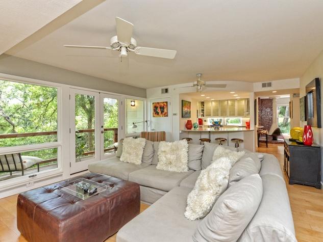 Austin home house 5932 Highland Hills Dr 78731 living room