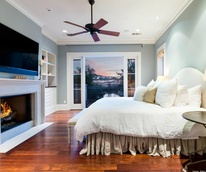 Dennis Quaid Lake Austin Bedroom