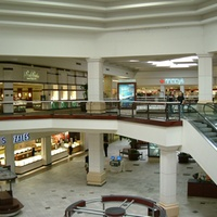 Austin_photo: places_shopping_bartoncreekmall