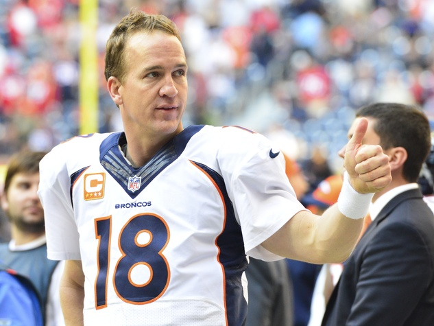 Peyton Manning thumbs up Texans