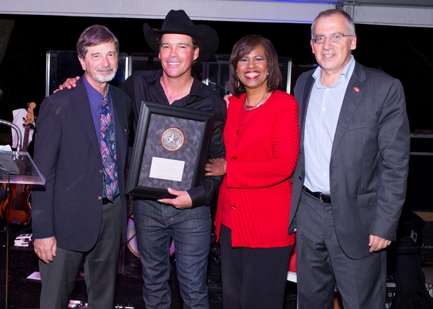 Dr. Jerry Wolinsky, from left, Clay Walker, Melanie Lawson and Dr. Giuseppe Colasurdo at UTHealthLIVE! April 2015