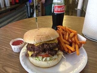 News_Hubcap Grill_hamburger_french fries