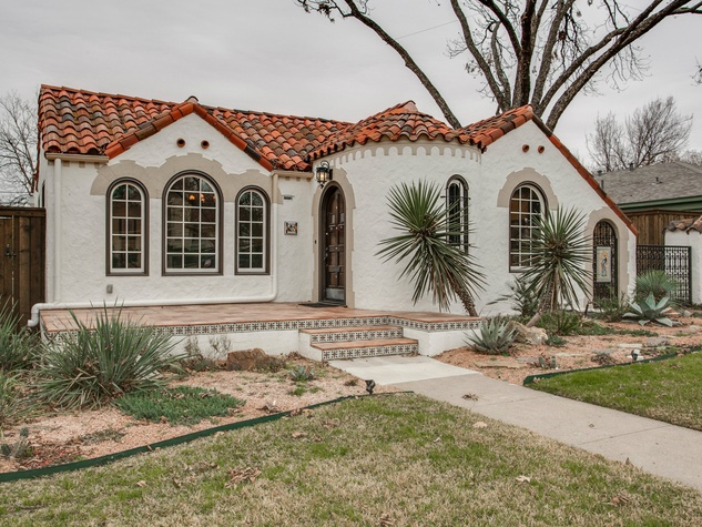 Spanish colonial in trendy dallas neighborhood lays charm for Spanish style homes for sale in dallas tx