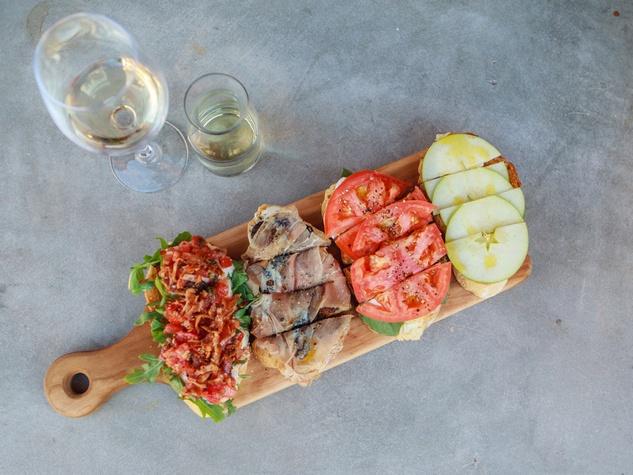 Postino food board