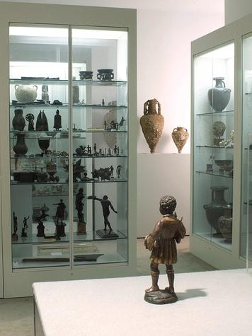 News_Menil_antiquities_storage