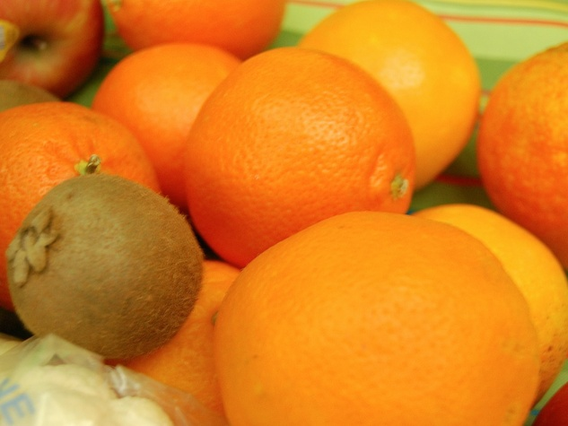 News_Joel_vegan out_oranges
