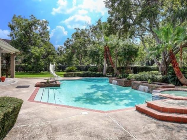 Astros $100 million man Carlos Lee sells Sugar Land mansion November 2014 swimming pool