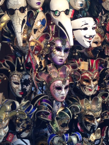 Jane Howze Italy trip Venice October 2014 Venice shops are full of Carnival masks