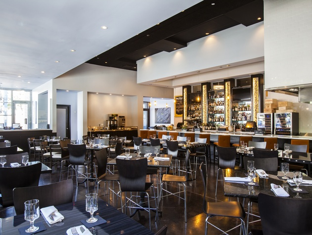 Houston, new brunch menus, Jan 2017, Lancelot bar at Holley's