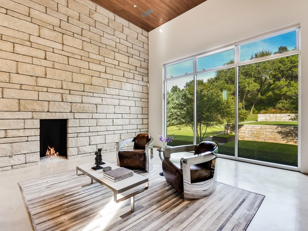 2009 Cueva de Oro Austin house for sale living room
