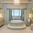 2555 Pearl #2200 bathroom