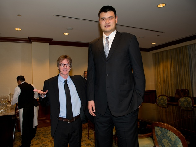 Dana Carvey, left, and Yao Ming at the George Bush Presidential Library Foundation dinner December 2013