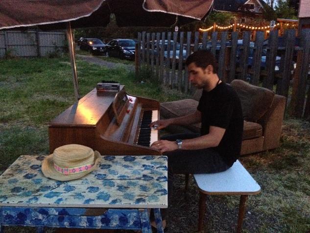 Portland travel, Alberta, piano man