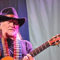 News_Michael_concert pick_Willie Nelson