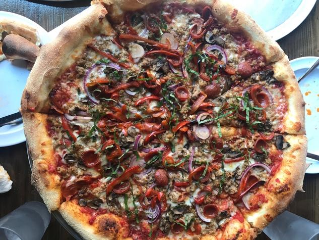 Pizaro's New York style pizza supreme