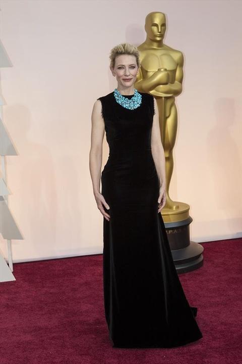Cate Blanchett on Oscar red carpet