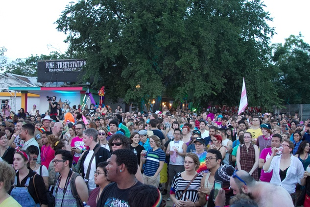 Queer bomb parade