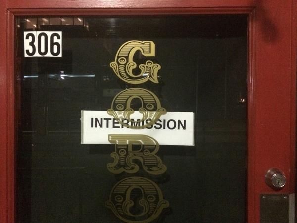 Goro--gun-intermission-closed-sign_104657