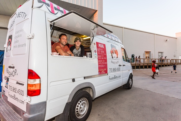 Frosted Betty food truck at Justin Garcia presents 7 Unlayered October 2014