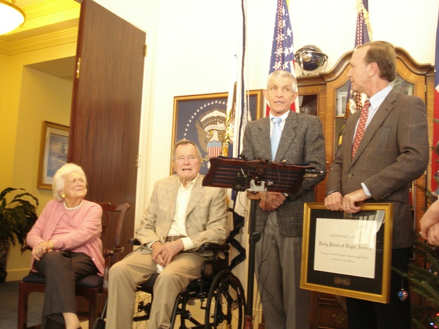 Points of Light George HW Bush, Barbara Bush, Jim McIngvale